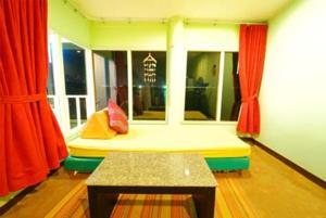Lareena Room